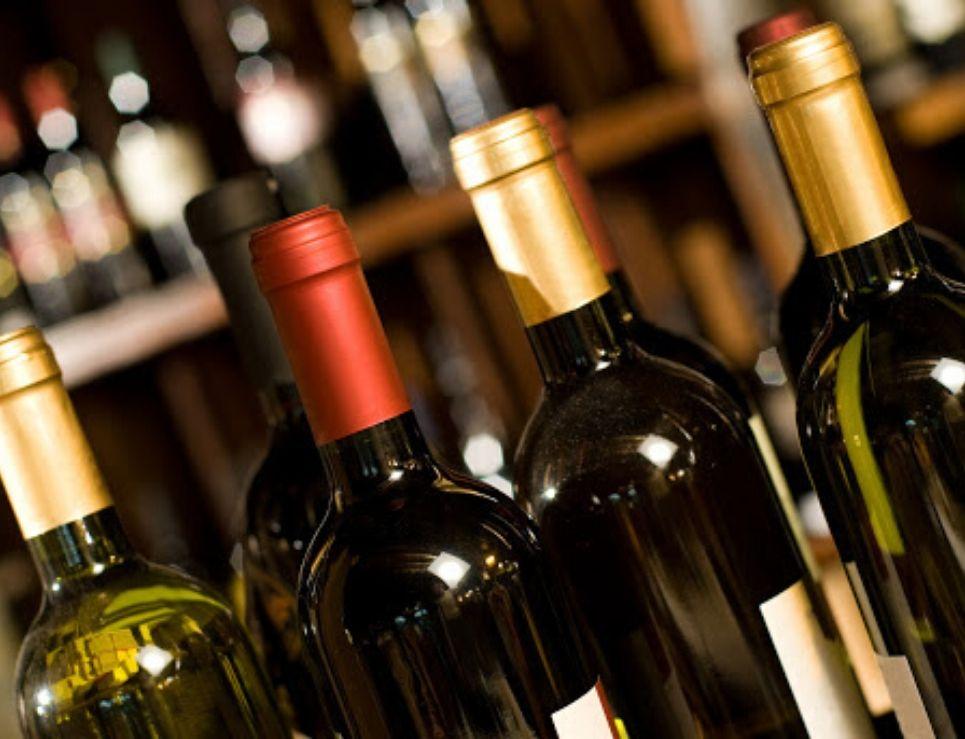 Vinería de la región cierra sus puertas y remata todo: vinos de alta gama desde 10 pesos la botella
