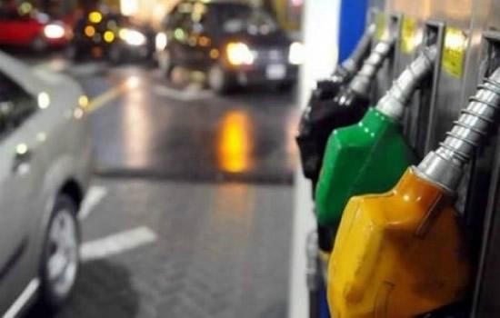 YPF aumentó el precio de la nafta y quedó a nada de los 80 pesos