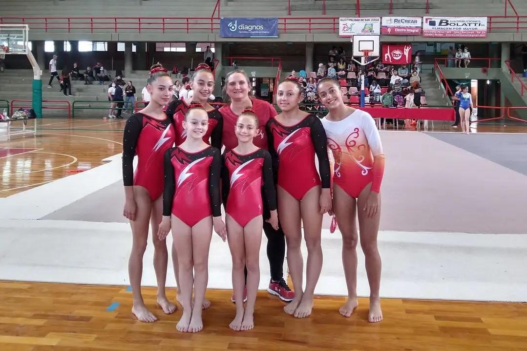 Las gimnastas de San Telmo jugaron fuerte en San Jorge