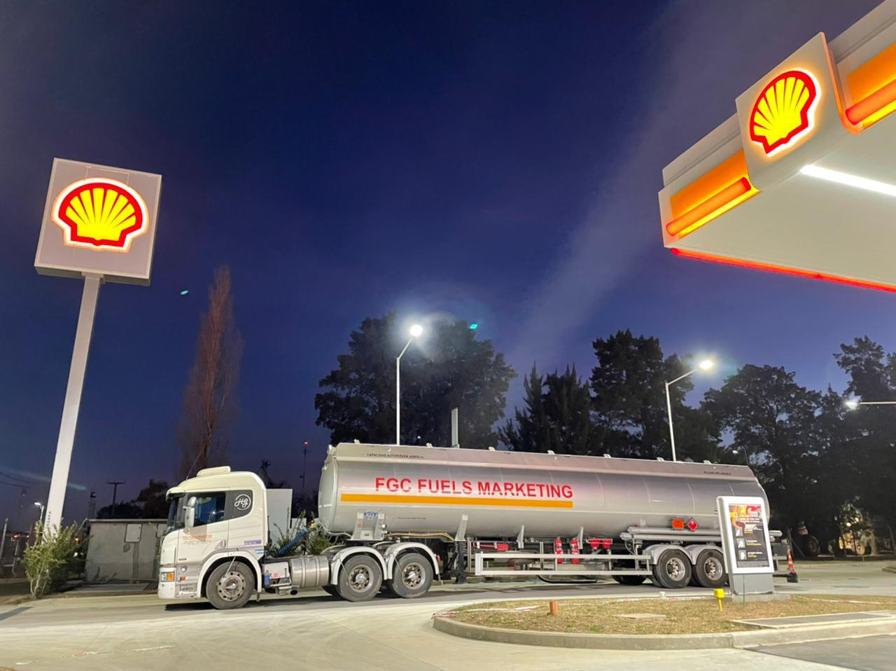 Ya no es pasar, ahora es ir: ¿Cómo es el modelo de Tiendas de Convivencia que desembarcó junto a la nueva Shell?